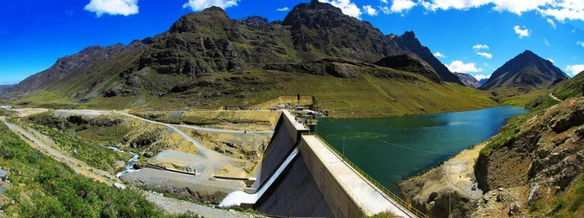 Large-scale hydroelectric dams on Andean rivers disrupt river connectivity to the Amazon.